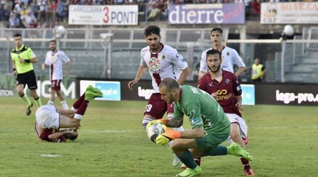 Livorno-Reggiana 1-2, un attacco amaranto (Novi)