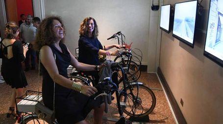 Bologna Experience a Palazzo Belloni, le bici interattive (foto Schicchi)