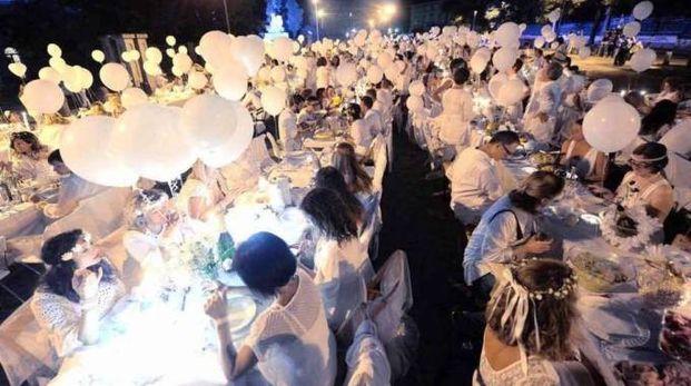 La cena in bianco nella prima edizione