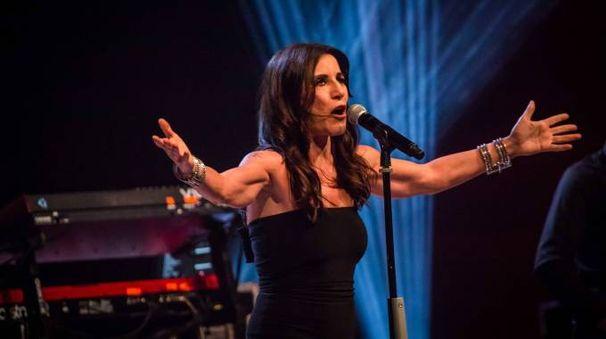 Paola Turci stasera sul palco del Comacchio Beach Festival assieme a Giovanni Caccamo