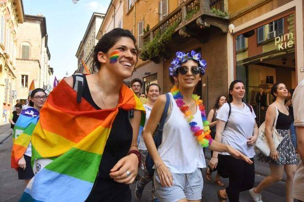 La fiumana del Gay Pride (Artioli)