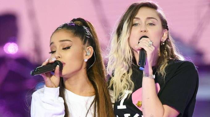 Ariana Grande e Miley Cyrus (Ansa)