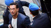 L'arrivo di Fabrizio Corona in tribunale