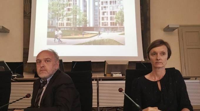 Alle spalle del sindaco Tagliani e dell'assessore Fusari, uno scorcio dell'immagine computerizzata del complesso