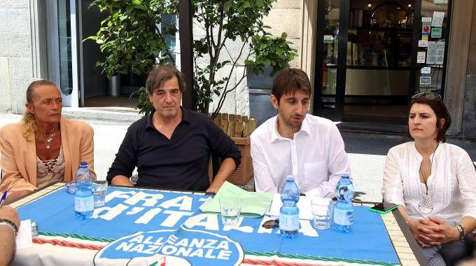 Un momento della conferenza stampa di Donzelli