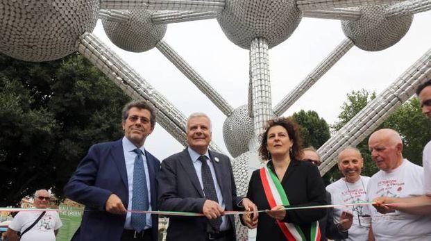 Gina Luca Galletti all'inaugurazione dell'Atomium in piazza XX Settembre