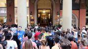 Folla per i Guns in via Indipendenza (foto Schicchi)
