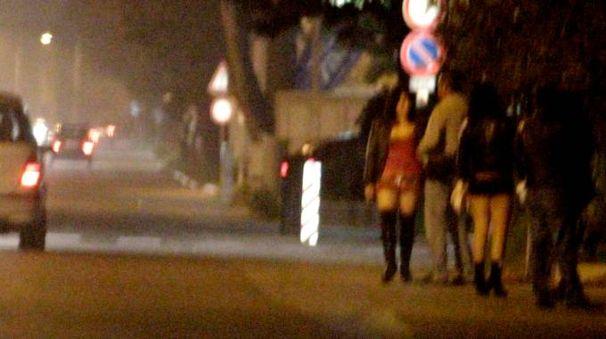 Alcune lucciole per strada