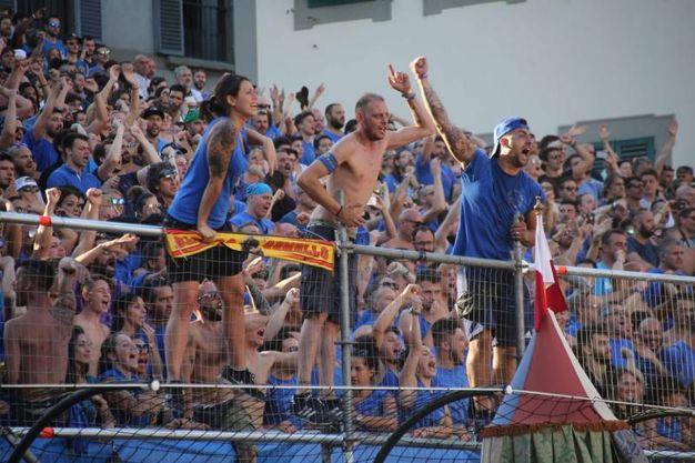 Il tifo azzurro (Marco Mori / New Press Photo)