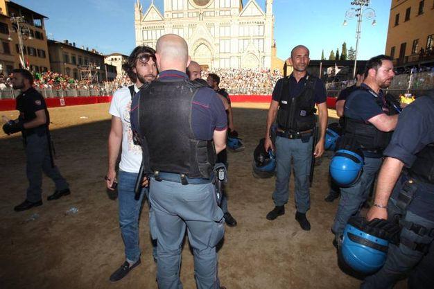 Tensione in campo (Marco Mori / New Press Photo)