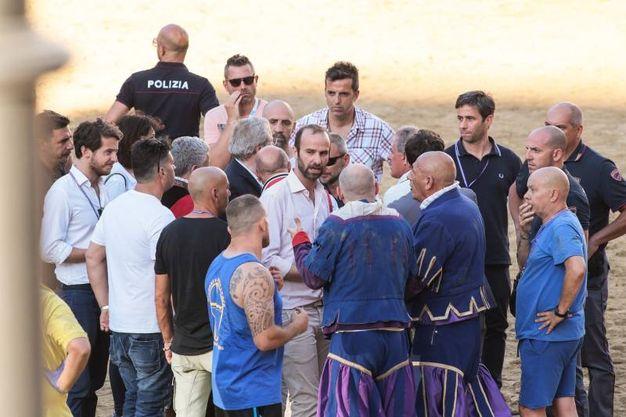 Tensione in campo (Giuseppe Cabras / New Press Photo)