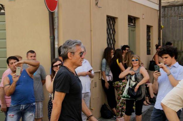 Luciano fotografato dai fan (foto Parmeggiani)
