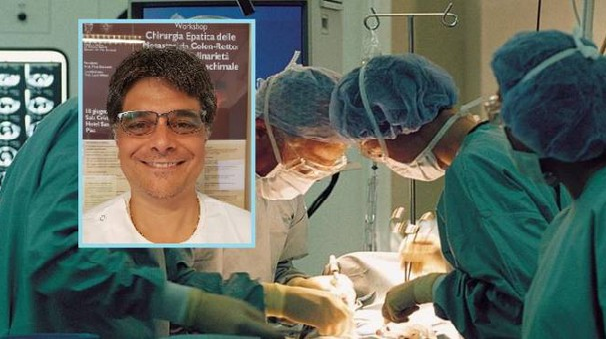 Chirurghi al lavoro e, nel riquadro, il dottor Lucio Urbani