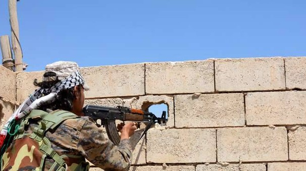 Siria. combattimenti a Raqqa (Ansa)