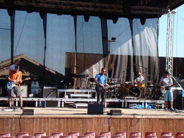 Il cantautore toscano proporrà tutti i brani dell'ultimo album 'Magellano', oltre a canzoni del precedente 'Eternamente ora' e altri pezzi tratti da 'Greitist Iz', primo album da solista