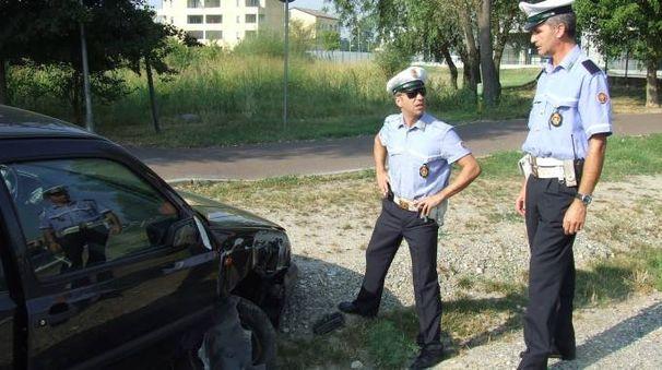 Sono stati gli agenti di polizia locale a inseguire il ragazzo