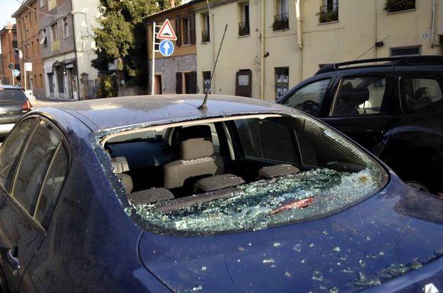 METTETE LE AUTO IN GARAGE O AL SICURO