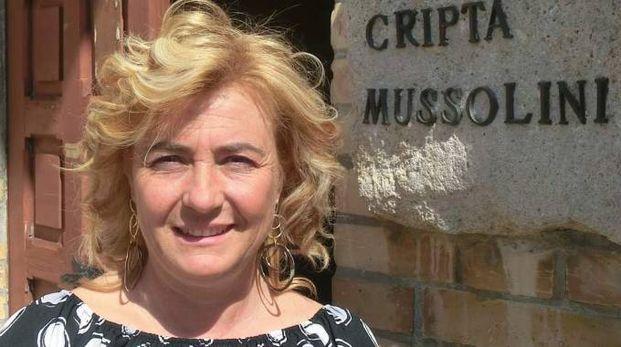 Edda Negri Mussolini è figlia dell'ultimogenita del Duce e il 9 luglio arriverà a Castel Del Rio, accompagnata già da mille polemiche. Il sindaco Baldazzi ha infatti declinato l'invito a partecipare alla cena benefica di cui la scrittrice è ospite