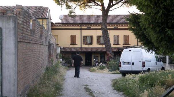 La casa in cui è stato trovato il corpicino senza vita