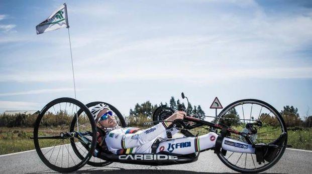 La particolare bicicletta per handbike di Vittorio Podestà