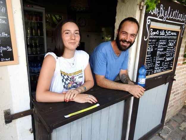 La nipote e il figlio di Carlo Galassi, titolare dell'omonima azienda, (Foto Scardovi)