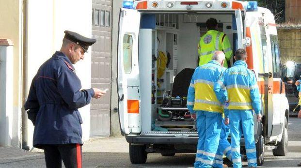 La donna è stata soccorsa e trasportata al San Carlo
