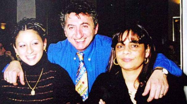A destra Carmelina Mauriello, con il marito Gianpaolo Carrera e la figlia