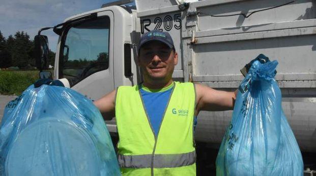 PROBLEMA O RISORSA Secondo Arpat, ogni anno in lucchesia  si producono 526,24 chilogrammi di rifiuti pro capite