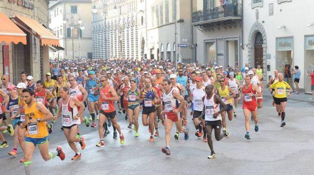 La partenza della Pistoia Abetone edizione 2016