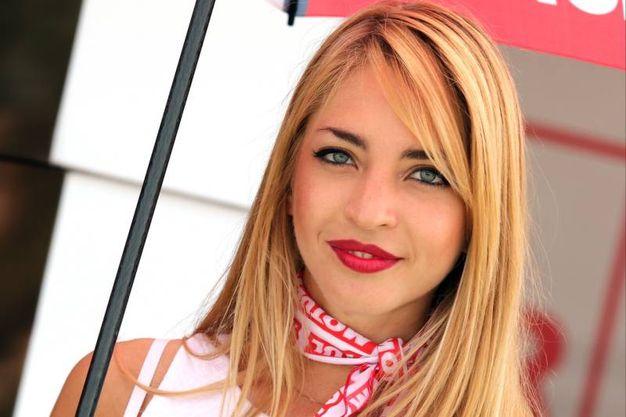 Una sexy ombrellina (foto Petrangeli)