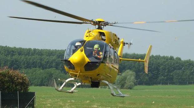 Sul luogo sono intervenuti due elicotteri del 118 (foto d'archivio)