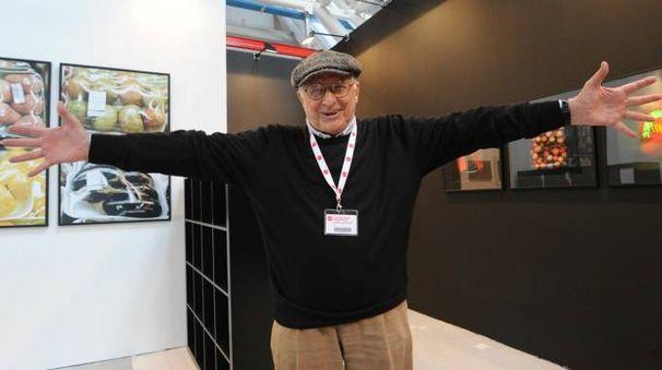 Nino Migliori. Il grande fotografo presiede la commissione del premio fotografico