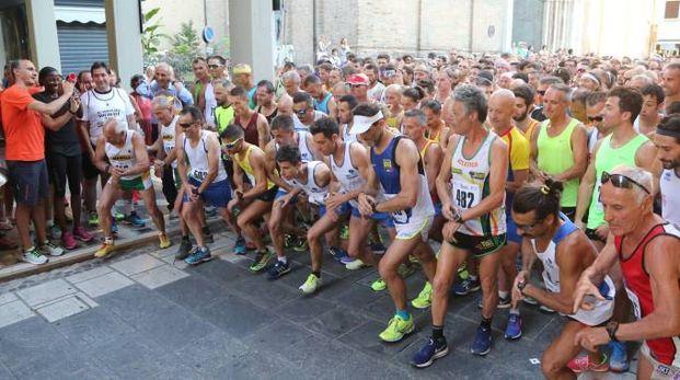 La partenza della corsa (foto Ravaglia)