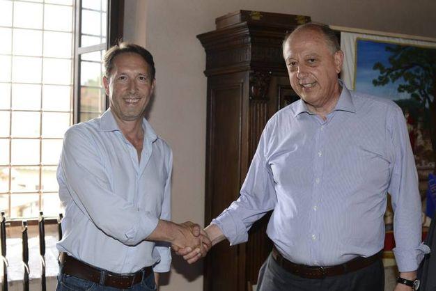 L'acceso faccia a faccia fra candidati a sindaco (Foto Alcide)
