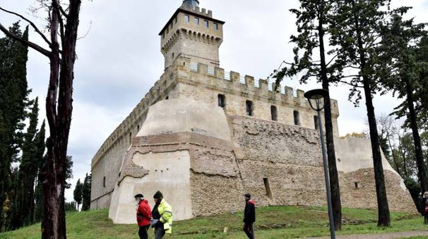 FORTEZZA La rocca  e il faro sono stati riaperti al pubblico lo scorso ottobre, ora il castello ospiterà iniziative legate al mondo universitario