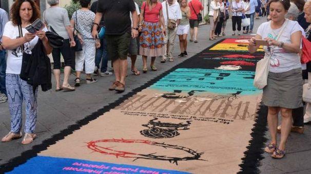Il tappeto del gruppo GreenAwaym vincitore ex aequo con le Scuole Medie Pistelli (Umicini)
