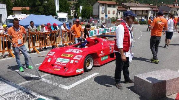 la vettura del vincitore Peroni