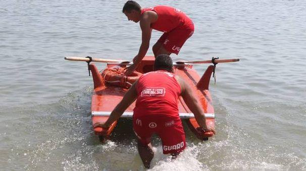 Il bimbo è stato salvato dal bagnino (foto d'archivio)