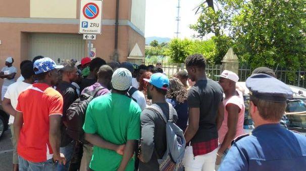 Un momento della protesta (Foto Cristini)