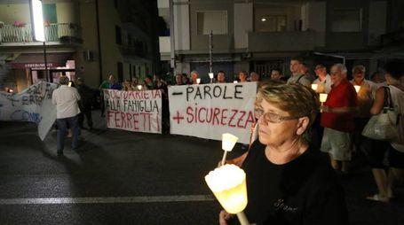 La fiaccolata a Pisa per Daniele Ferretti (foto Valtriani)