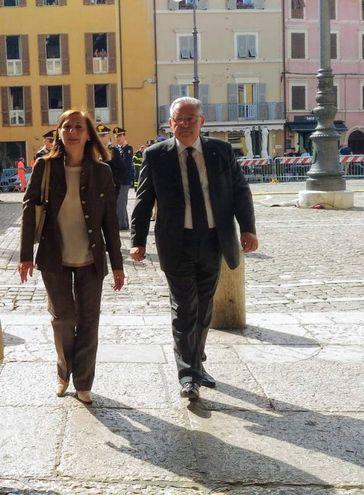 Il prefetto pierluigi Pizzi entra al Teatro della Fortuna