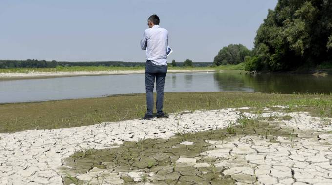 Caldo record, preoccupa il Po in secca (foto Businesspress)