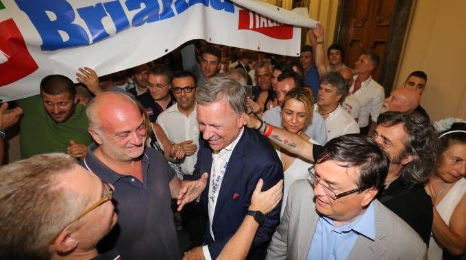 Dario Allevi nuovo sindaco di Monza, i festeggiamenti