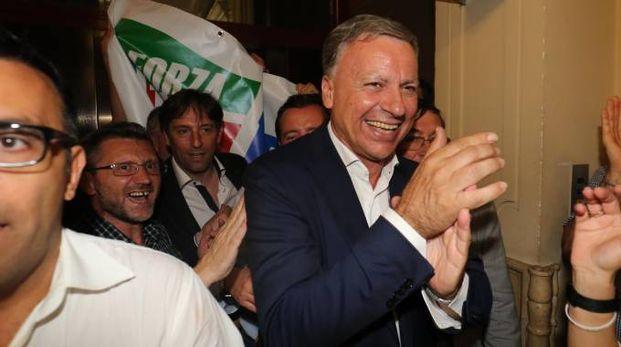 Dario Allevi festeggia la vittoria: è il nuovo sindaco di Monza (Radaelli)