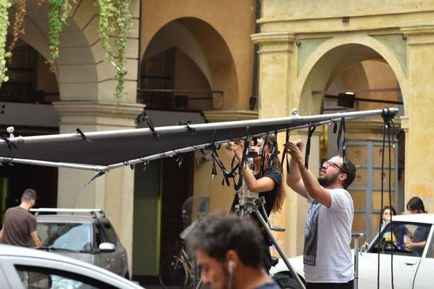 Sul set in piazza San Prospero anche Stefano Accorsi (foto Artioli)