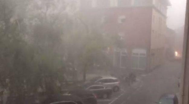 Vento e pioggia dalla redazione del Carlino di Ravenna, in via Salara