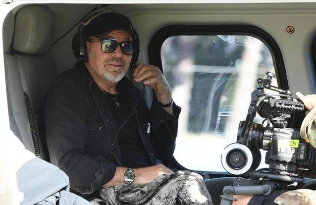 Vasco Rossi nell'elicottero che lo ha portato a Modena Park (Foto Ansa)