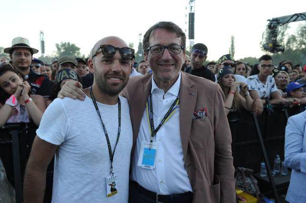 Il figlio di Vasco Rossi col sindaco di Modena Muzzarelli (Foto Fiocchi)
