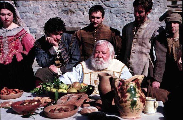 Nei panni di Don Abbondio, in una scena di 'Renzo e Lucia', il film tv di Francesca Archibugi  (Ansa)