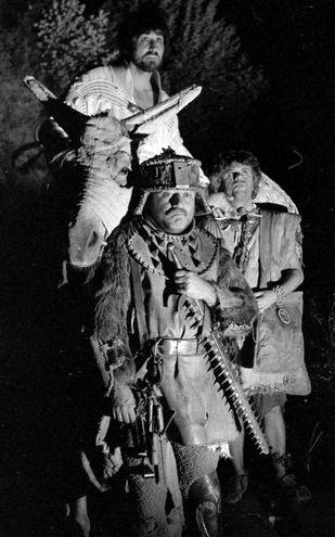 Con Vittorio Gassman e Lino Toffolo durante le riprese di 'Brancaleone' nel 1970 (Ansa)